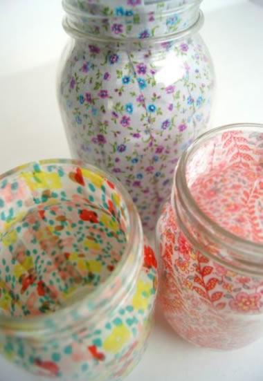artesanato em garrafa de vidro com tecido por dentro