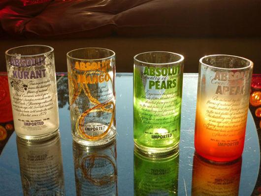 artesanato em garrafa de vidro cortada copos
