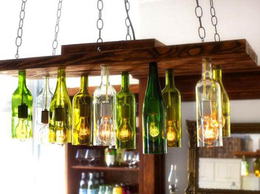 artesanato em garrafa de vidro no teto