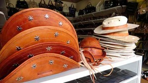 artesanato nordestino feito em couro