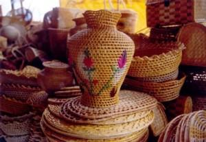 artesanato nordestino de palha cestos