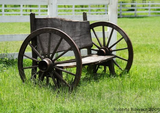 bancos de jardim roda de carroça rústico