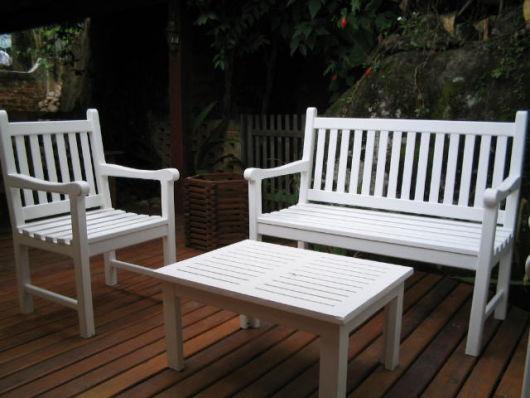 bancos de jardim simples branco