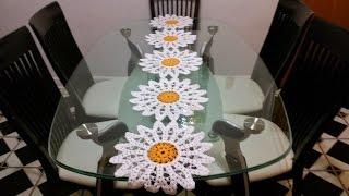 Caminhos de mesa de croch modelos com gr ficos e receitas - Camino de mesa elegante en crochet ...