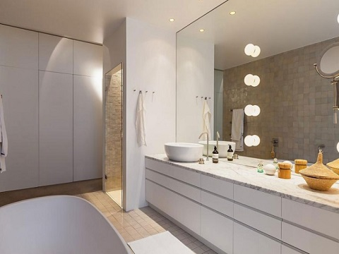 closet com banheiro branco