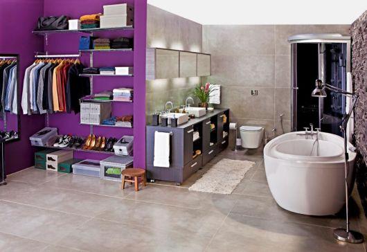 Closet com banheiro Como planejar e 40 fotos inspiradoras -> Closet Pequeno Com Banheiro