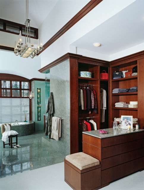 Closet com banheiro Como planejar e 40 fotos inspiradoras -> Fotos De Banheiro Com Banheira E Closet