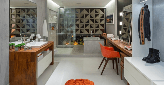 closet com banheiro com penteadeira