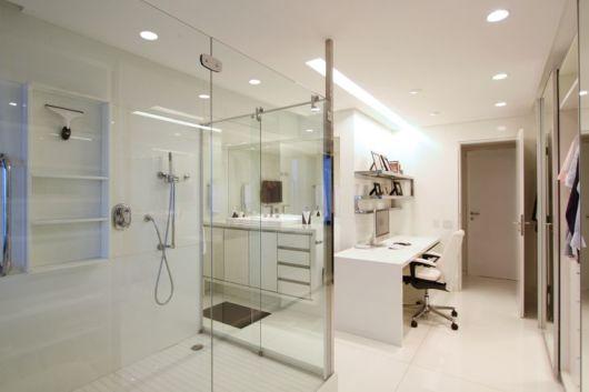 closet com banheiro home office