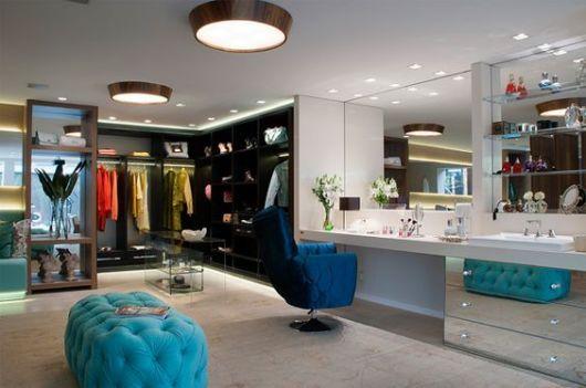closet com banheiro penteadeira chique