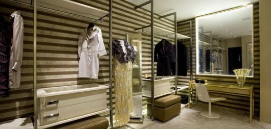 closet com banheiro penteadeira