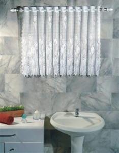 cortina para janela de banheiro curta de renda