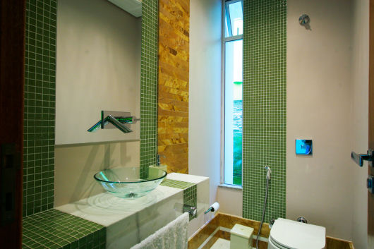 banheiro pastilhas verdes
