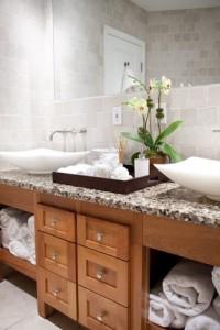 decoração de banheiro com flores
