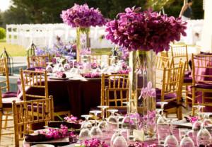 decoração com orquídea roxas
