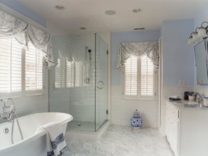 cortina para janela de banheiro florida