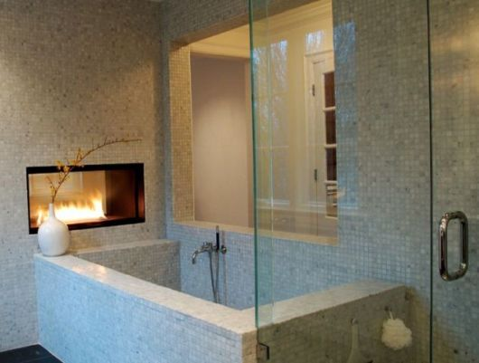 banheiro com lareira
