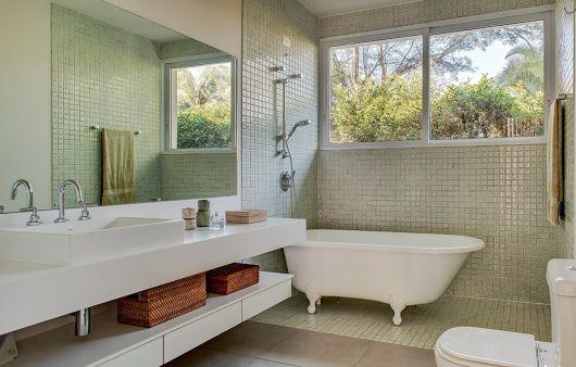 bancada branca banheiro