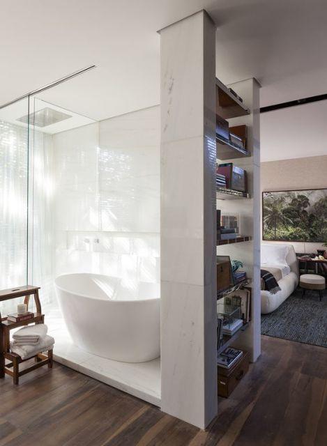 banheiro dentro do quarto