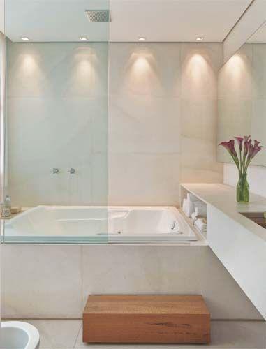 8 Modelos de Banheiras Com Dicas e Preços! -> Banheiro Pequeno Com Banheira E Chuveiro Juntos