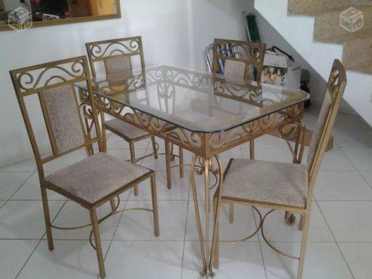 mesa de jantar de ferro