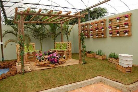 móveis de paletes para jardim jardim suspenso vertical floreira