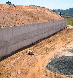 Muro de arrimo o que materiais como fazer e pre os for Muro de concreto armado