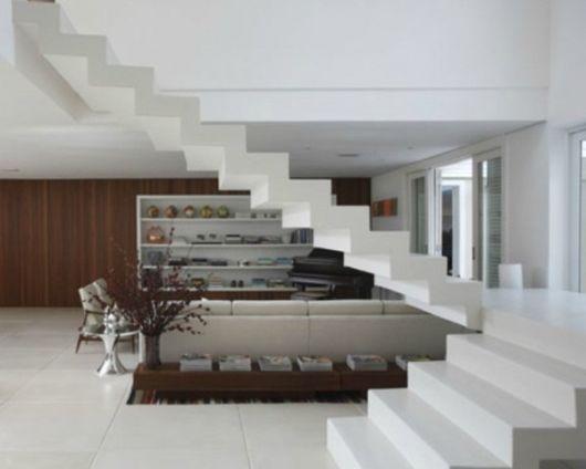 escada pliassada