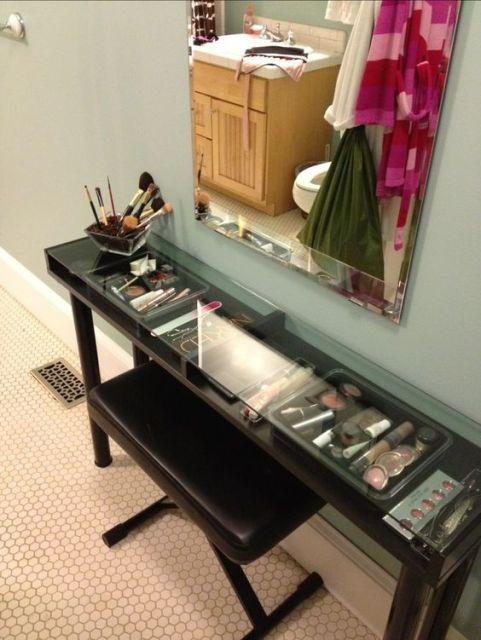 penteadeira moderna organização no vidro