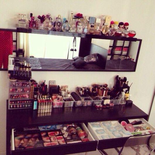 penteadeira moderna 40 ideias incr veis e como organizar. Black Bedroom Furniture Sets. Home Design Ideas