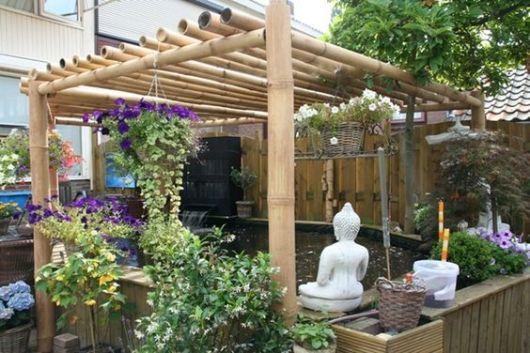 pergolado de bambu bonito