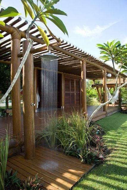 pergolado de bambu chuveiro piscina