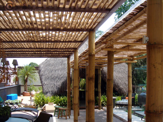 pergolado de bambu grande
