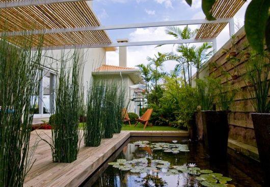 pergolado de bambu jardim