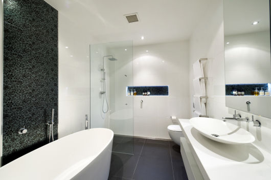 Piso antiderrapante modelos para diferentes reas Small bathroom design melbourne