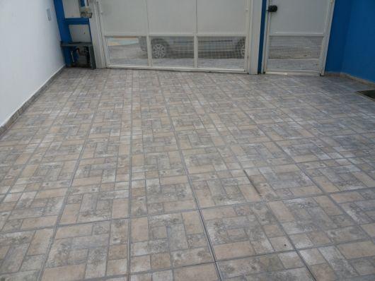 piso cerâmica quintal
