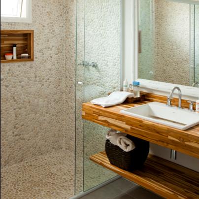 piso pedras banheiro