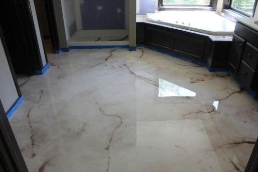 piso imita mármore banheiro