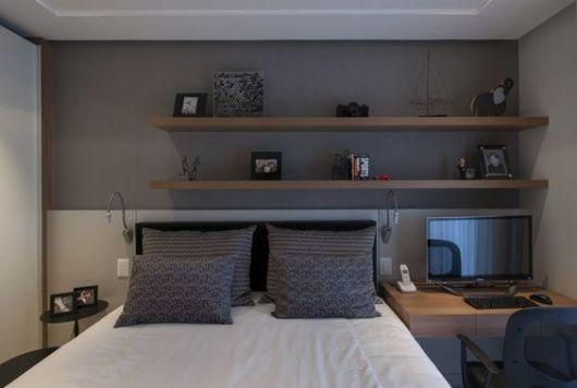 Prateleiras para quarto 77 ideias lindas para a decoração! ~ Quarto Casal Pequeno Com Escrivaninha