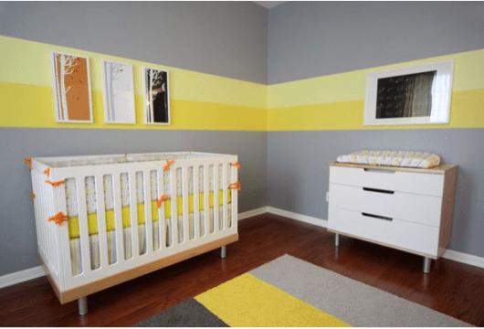 quarto de bebê amarelo com cinza
