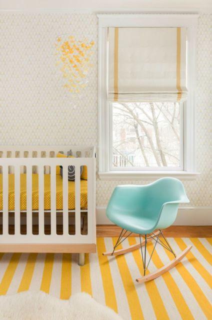quarto de bebê amarelo e branco tapete