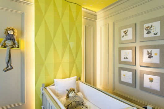 quarto de bebê amarelo e cinza textura