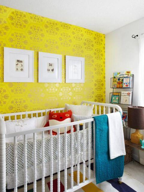 quarto de bebê amarelo parede moderna