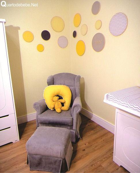 quarto de bebê amarelo rosa detalhes