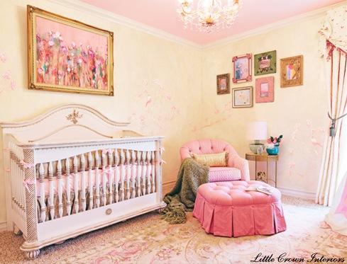 quarto de bebê amarelo rosa feminino
