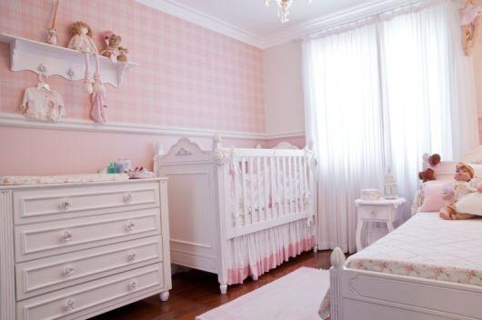 roda meio quarto de bebê feminino