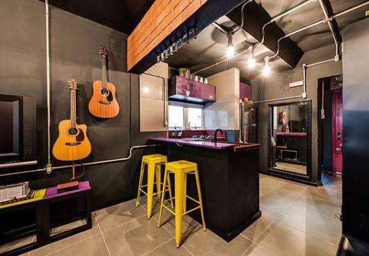 decoração moderna parede preta