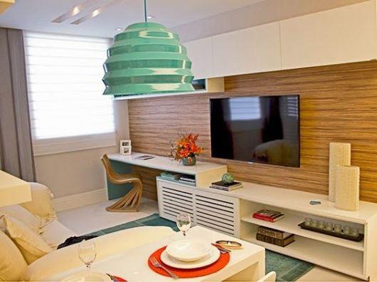 sala pequena com escritório