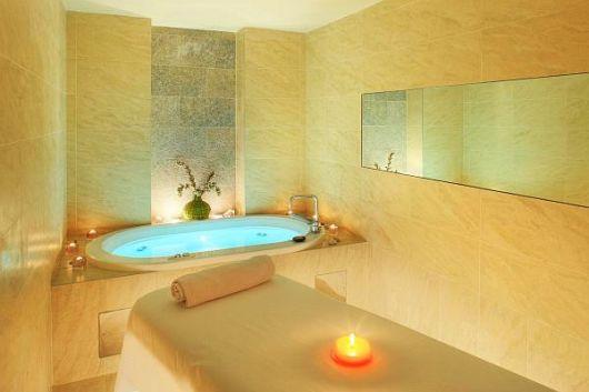 spa em casa banheiro com banheira