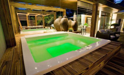 spa em casa com banheira